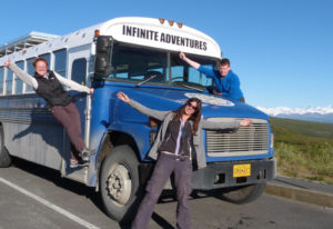 Entdecken Sie Alaska in einem umgebauten Schulbus